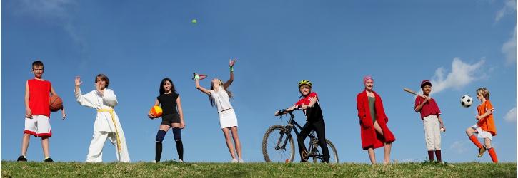 Kinder und Jugendliche bei Freizeitaktivitäten Foto Fotolia
