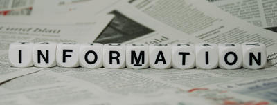 Information, mit Zeitungshintergrund